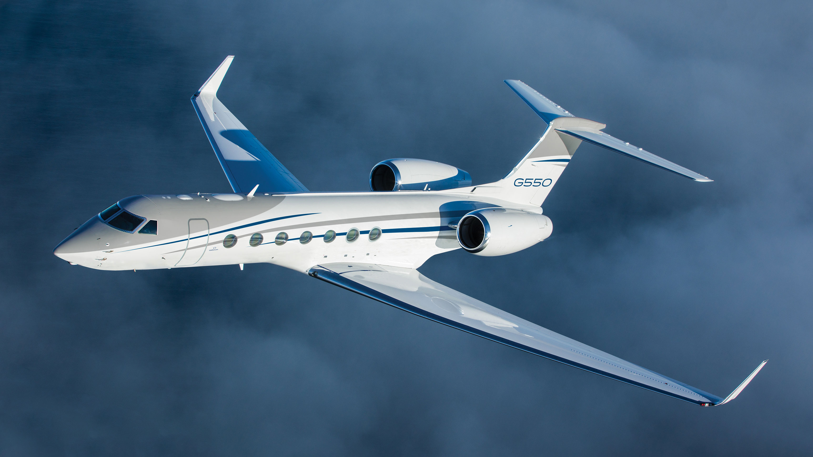 G550 flying in the clouds